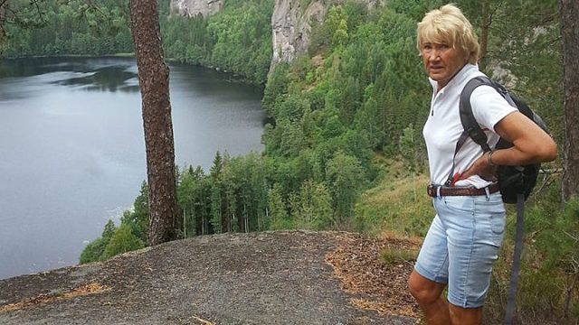Brun og blid - Gila (snart 80) elsker sol-appen