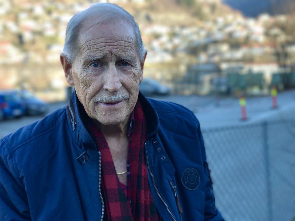 Brun og blid - Bjørn Lorentz (81) bruker Sol-app
